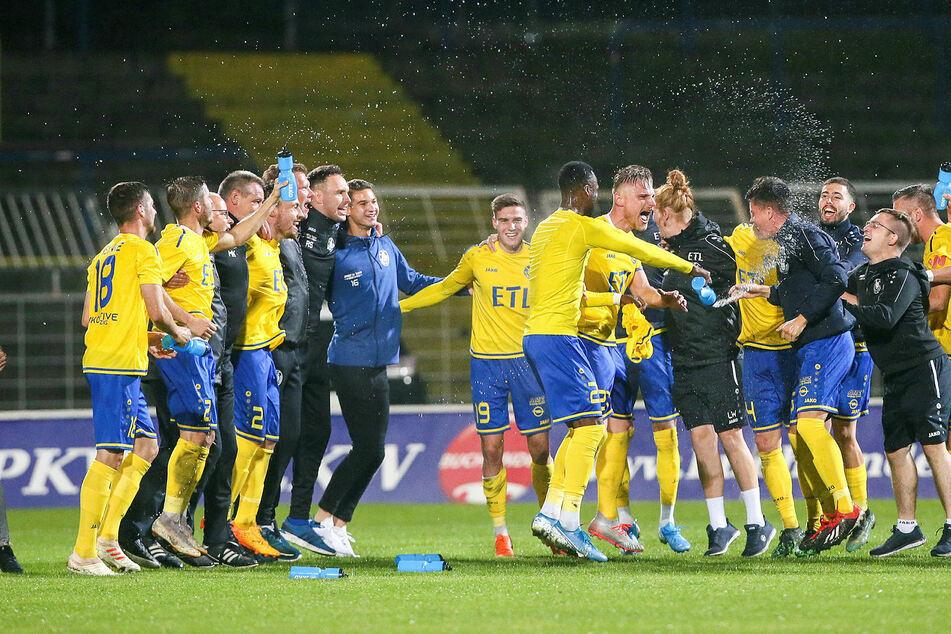 Der 1. FC Lokomotive Leipzig wird wahrscheinlich am Grünen Tisch zum Meister der Regionalliga Nordost gekürt. (Archivbild)