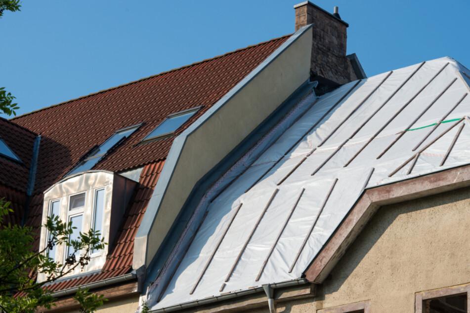Kriminelle Dachdecker im Kreis Augsburg: Polizei ermittelt wegen Erpressung