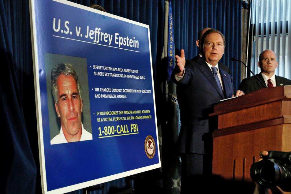 Geoffrey Berman, Staatsanwalt von New York, spricht 2019 während einer Pressekonferenz zum Fall des Milliardärs Epstein: Dieser soll Dutzende minderjährige Mädchen missbraucht haben.