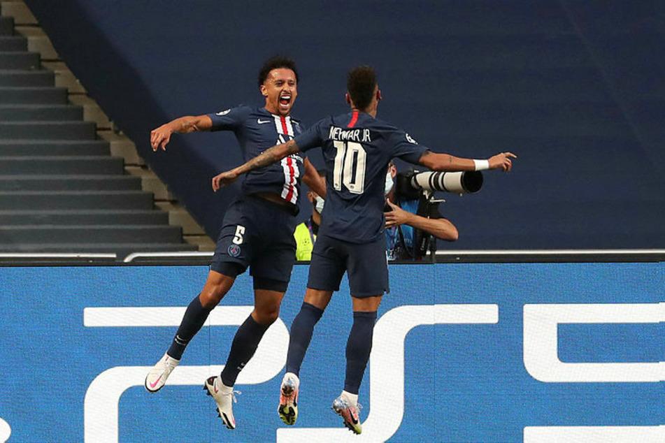 1:0-Torschütze Marquinhos (l.) und Vorlagengeber Neymar im Freudentaumel.