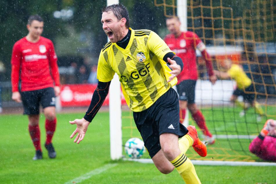Kicker Torsten Marx jubelt. Für der Torjäger des Großenhainer FV keine Seltenheit, wie 56 Treffer in 67 Partien für seinen Verein beweisen.
