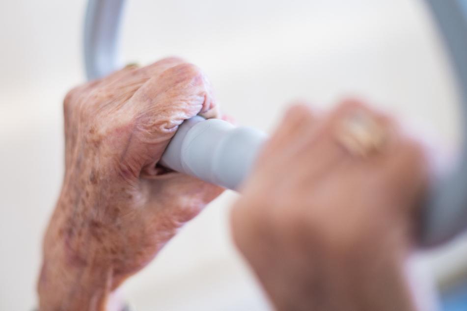Coronavirus: Mindestens 20 Bewohner eines Seniorenheims infiziert!