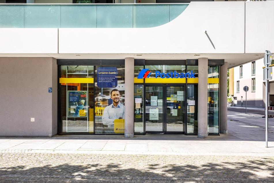Die Postbank am Antonsplatz bleibt nun außerhalb der Filial-Öffnungszeiten komplett dicht.