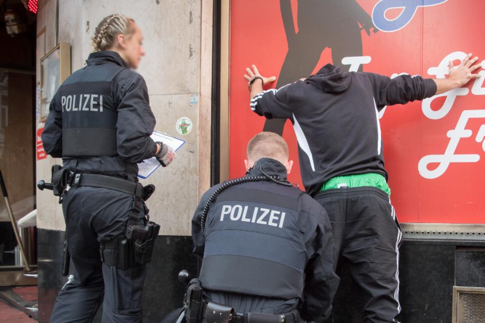 Frankfurt: Polizeieinsatz wegen Schüssen im Frankfurter Bahnhofsviertel!
