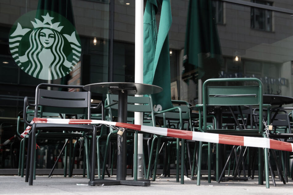 Starbucks announces billions in losses but remains optimistic