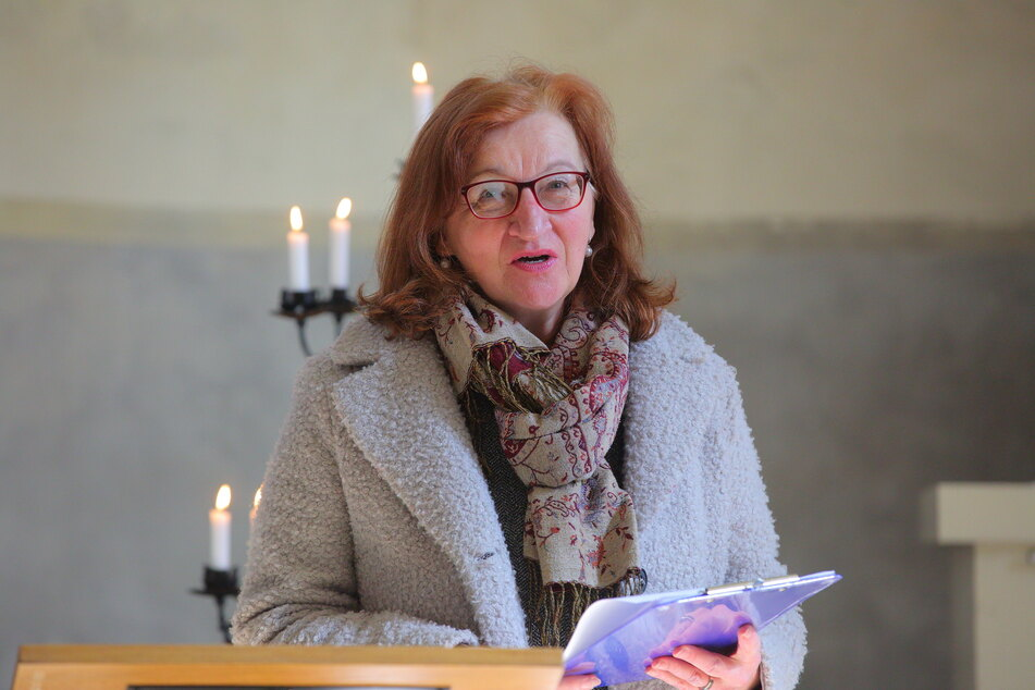 Pfarrerin Renate Henke sagt, die Gedenkstelle stehe jedem offen.