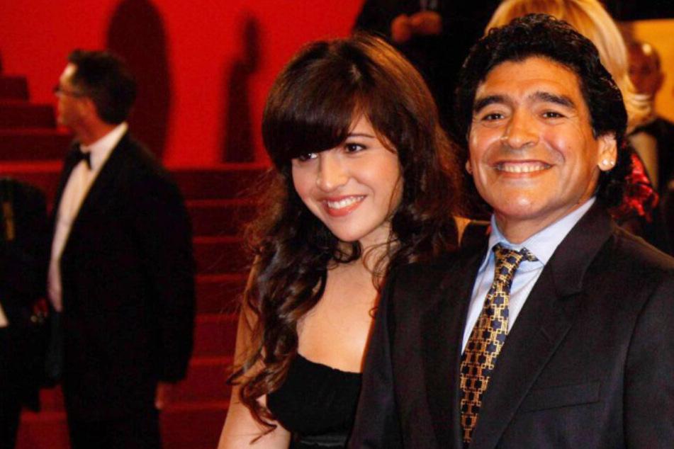 Rätsel um Diego Maradonas Geld: Wurde er von eigenen Töchtern ausgeraubt und verlassen?