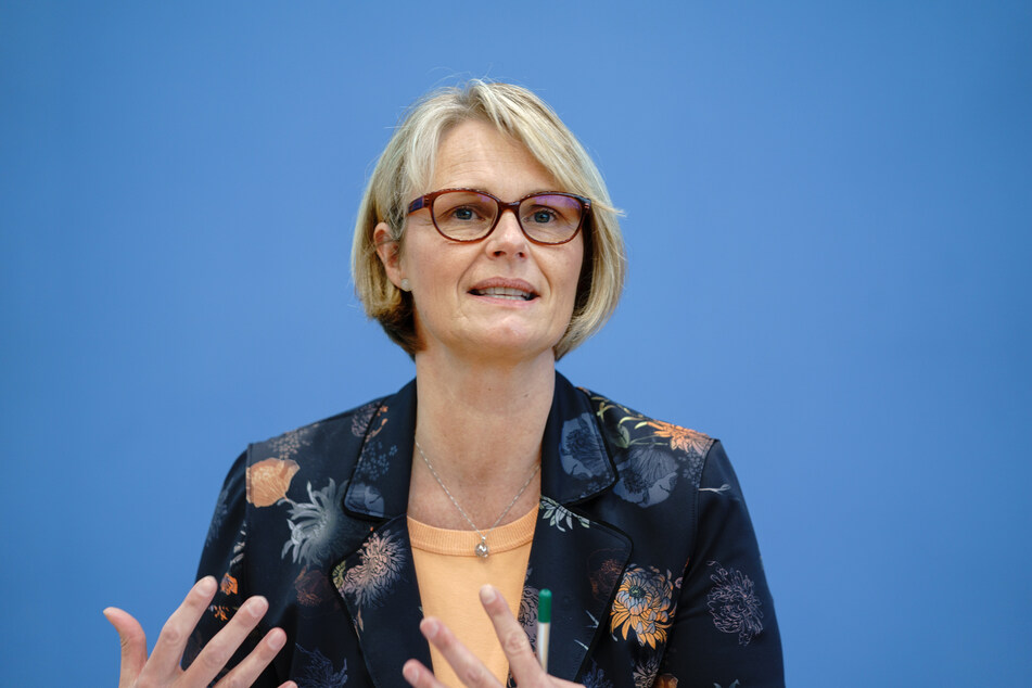 Anja Karliczek (50, CDU), Bundesministerin für Bildung und Forschung, gibt eine Pressekonferenz zur aktuellen Lage in der Corona-Pandemie.