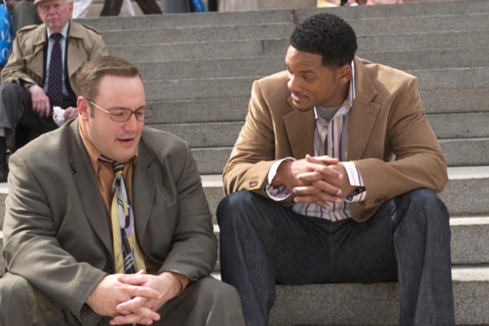 """Kevin James (l.) und Will Smith drehten gemeinsam die witzige Komödie """"Hitch - Der Date Doktor"""" (2005)."""