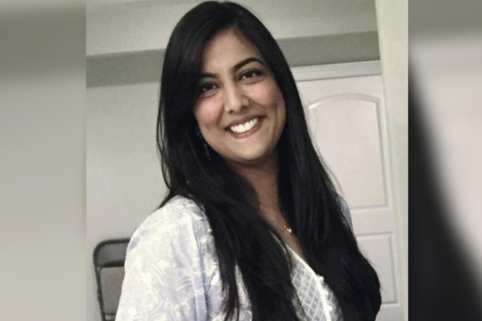 Farah Naz Khan (34) lacht auf dem Bild, doch innerlich schäumt sie wegen dieser Sache vor Wut.