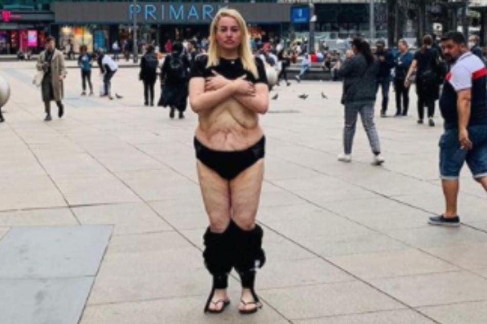 Aline Bachmann (26) halbnackt.