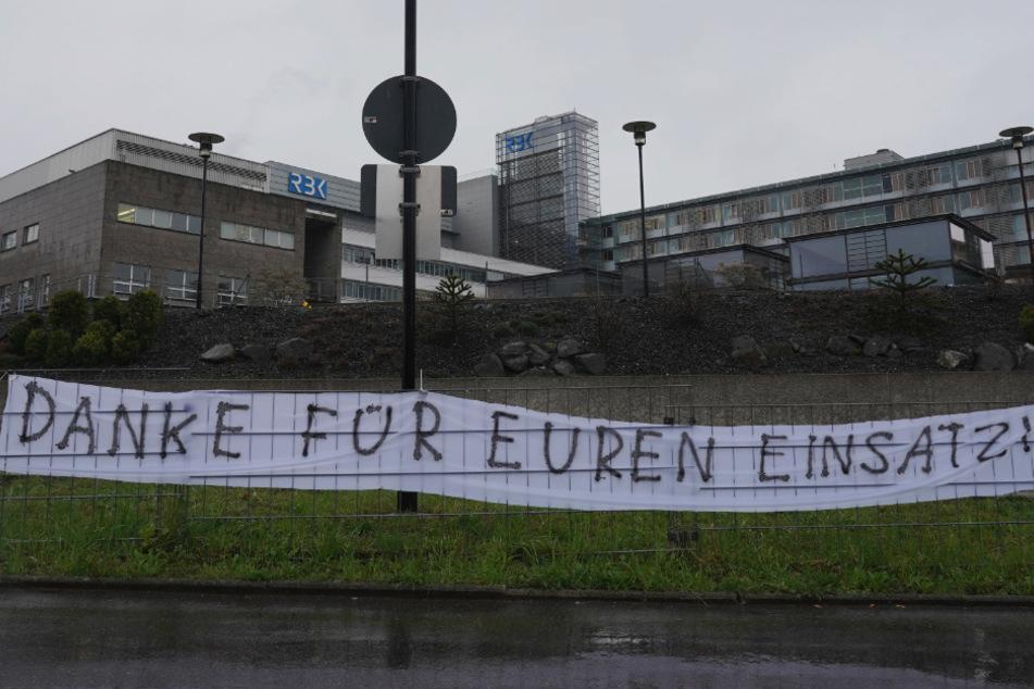 Am Stuttgarter Robert-Bosch-Krankenhaus wurde dieses Banner aufgehängt.