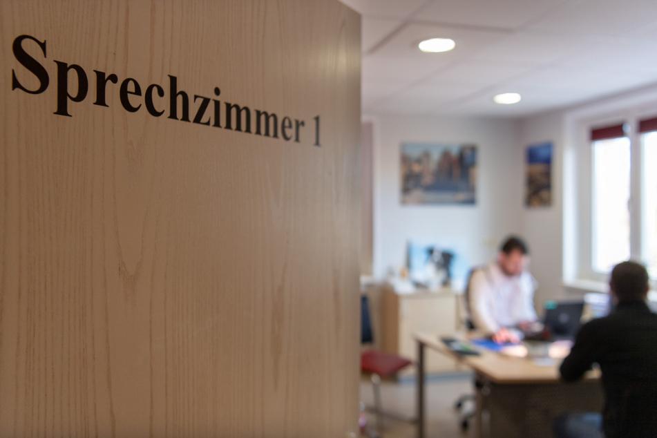 Erste Corona-Impfungen von Hausärzten in Baden-Württemberg