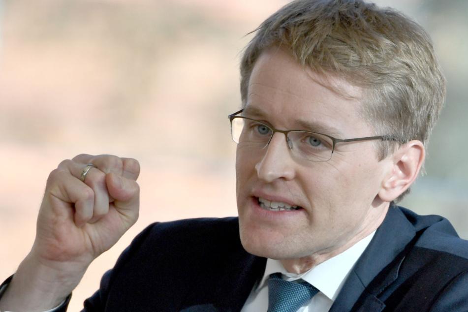 Daniel Günther (CDU), Ministerpräsident von Schleswig-Holstein, spricht auf der Landtagssitzung.