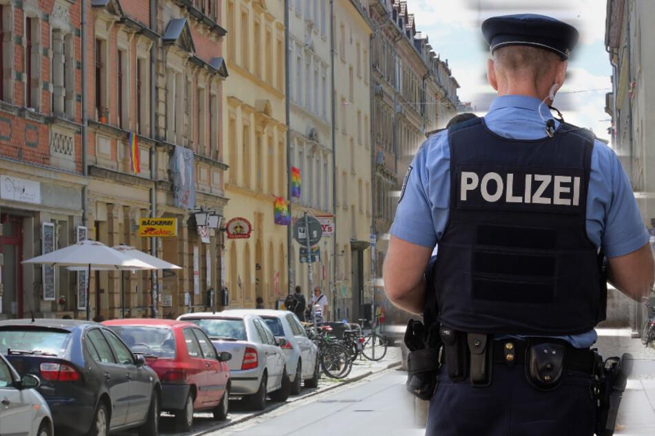 Passanten finden schwer verletzten Mann auf Straße in Dresdner Neustadt