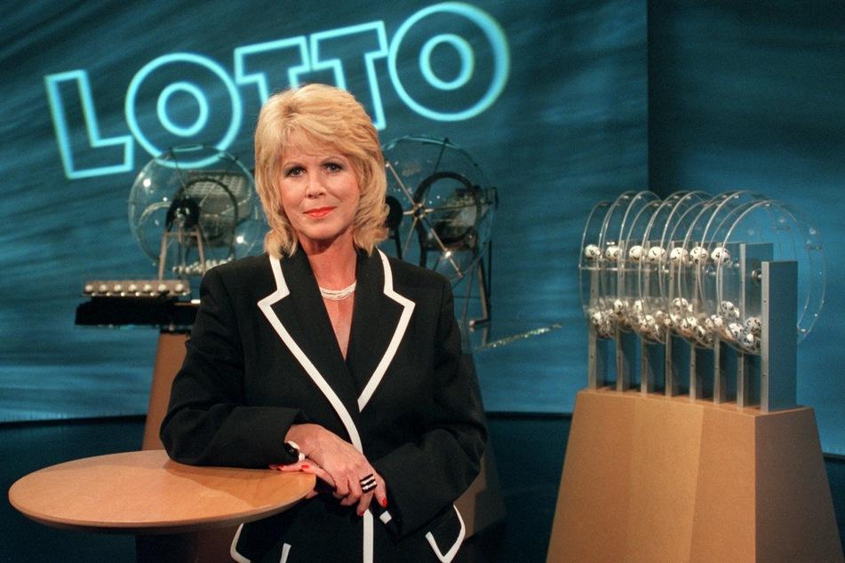 """Von 1967 bis 1998 war Karin Tietze-Ludwig (79) die """"Glücksfee"""" beim Lotto. Am 31. Mai wird die Grande Dame des Lotto 80 Jahre alt."""