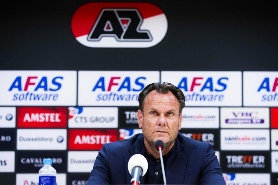 Sorgenfalten bei AZ-Generaldirektor Robert Eenhorn (52): Alkmaar fehlen coronabedingt gleich 13 Spieler vor dem Duell mit dem SSC Neapel! (Archivbild)