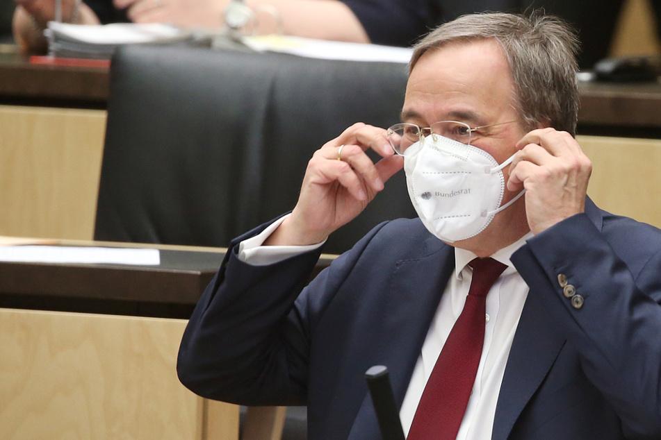 """Armin Laschet warnt: """"Befinden uns in einer sehr kritischen Pandemie-Phase"""""""