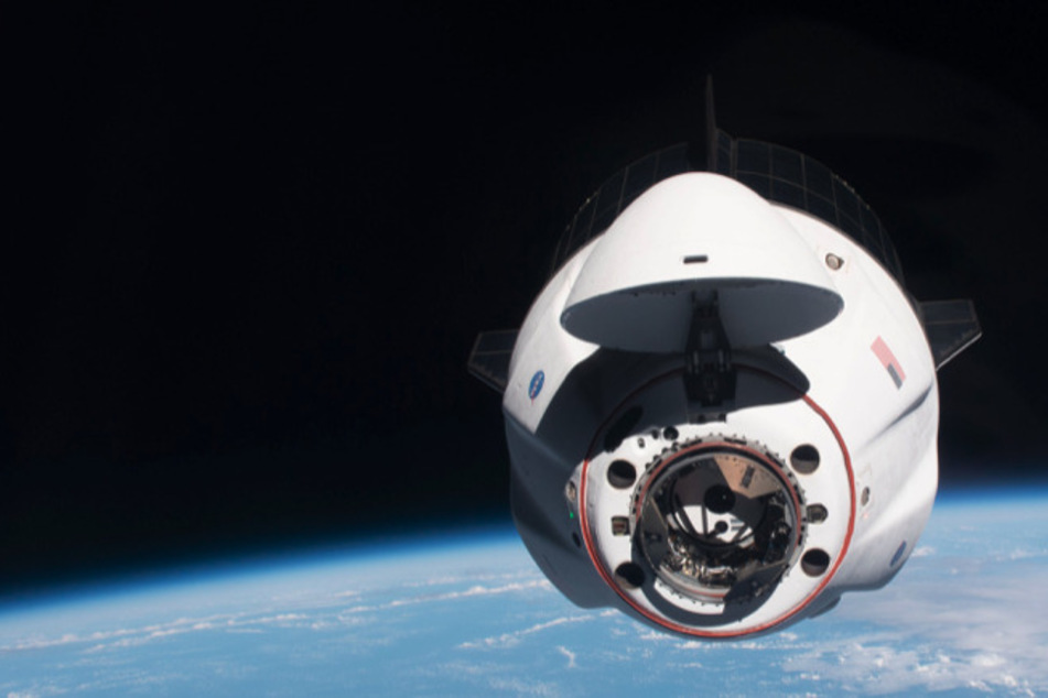 SpaceX capsule nearly collides with a UFO on way to Space Station!