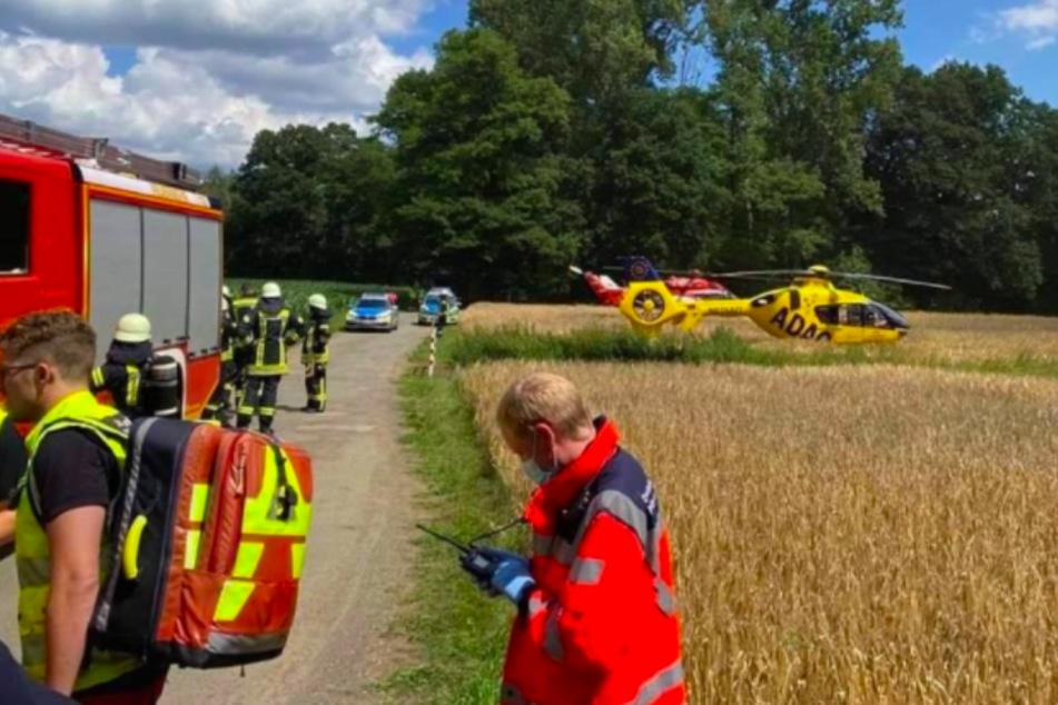 Feuerwehr, Rettungskräfte und auch Polizei sind vor Ort.