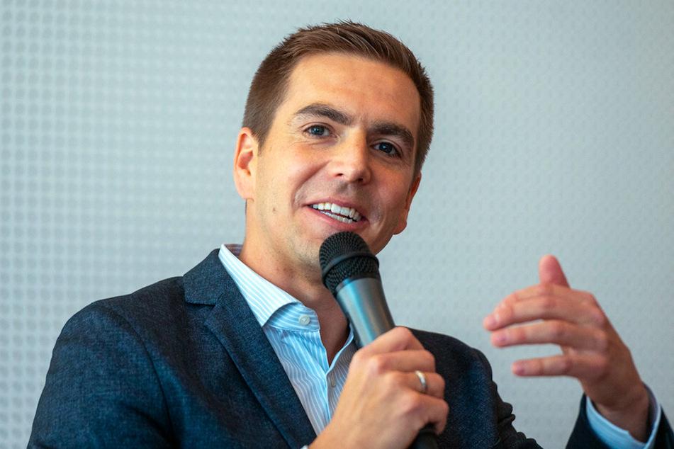 Der ehemalige Bayern-Kapitän Philipp Lahm (36) hat die Arbeit und Herangehensweise von Trainer Hansi Flick gelobt.