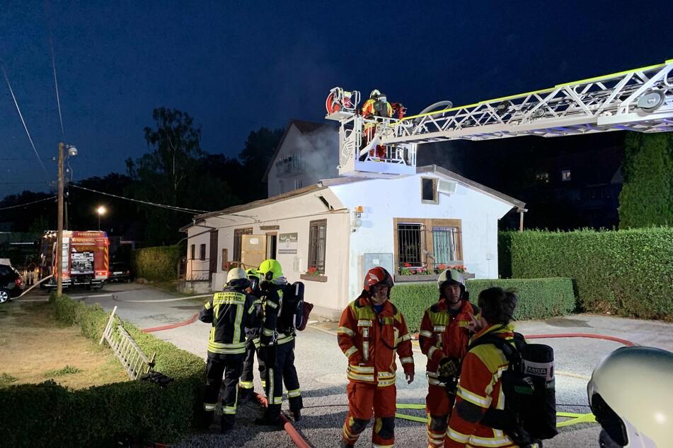 Vereinsheim aus den Siebzigern brennt teilweise nieder