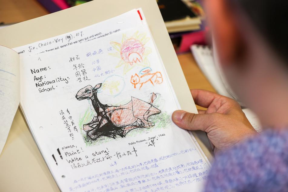 Sogar Texte chinesischer Kinder sind dabei. Im Archiv des Institutes gibt es eine Sammlung von Kindertexten aus gut einhundert Jahren, die systematisch untersucht werden