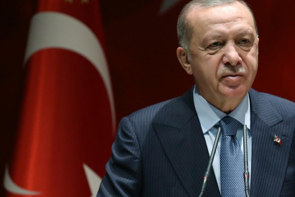 """Berlin: Bundestag fordert Verbot der türkisch-nationalistischen """"Grauen Wölfe"""""""