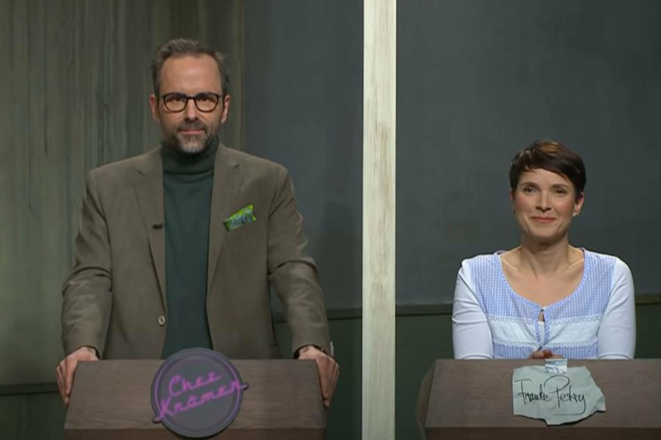 """Moderator Kurt Krömer (46, l.) ließ bei """"Chez Krömer"""" Ex-AfD-Chefin Frauke Petry (45) am Ende der Sendung stehen."""