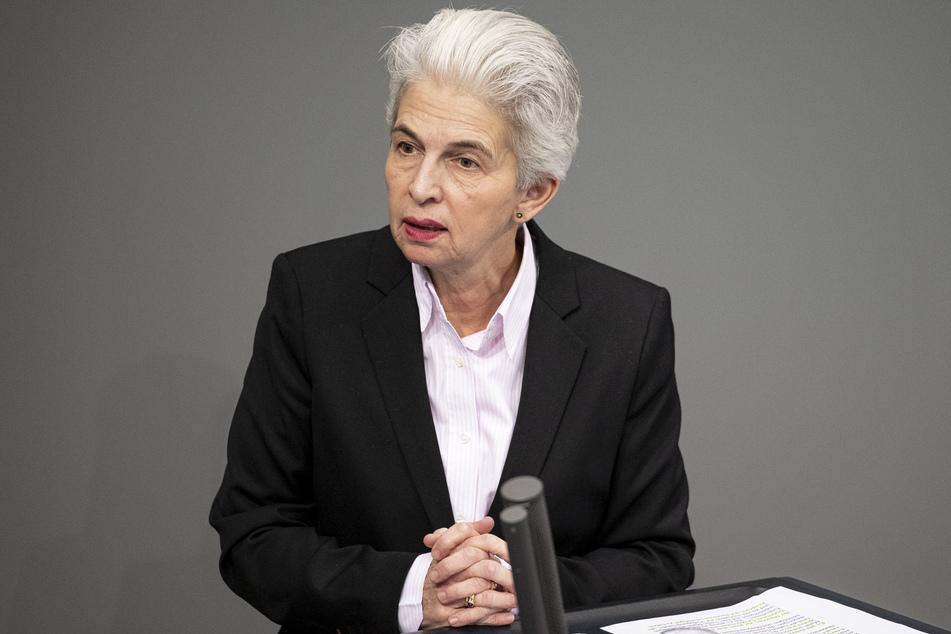 Marie-Agnes Strack-Zimmermann (62) wollte in eigener Sache mit einem Anti-Ballermann-Slogan für sie als OB-Kandidatin werben.