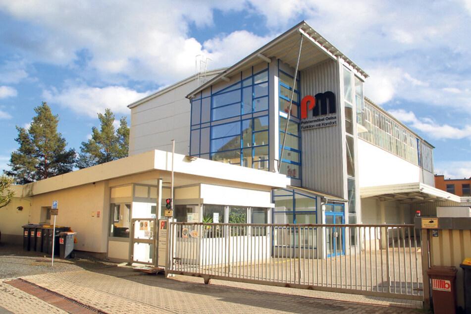 """In der """"Polstermöbel Oelsa GmbH"""" ließ Kommissionierer Enrico H. Werkzeug und Zubehör im Wert von mehr als 20.000 Euro mitgehen."""