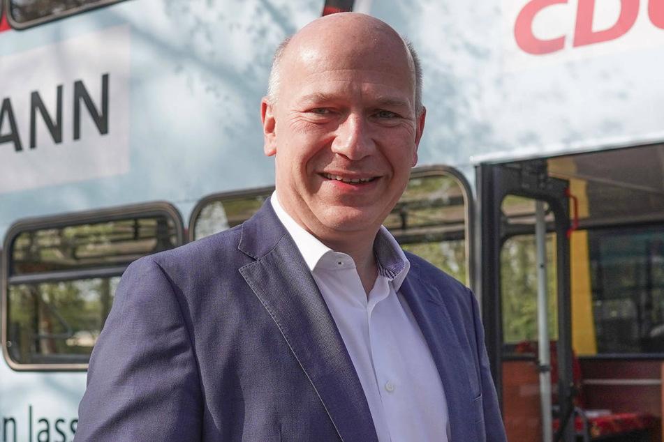 """Die Berliner CDU hat sich dafür ausgesprochen, die Schulen in der Corona-Pandemie """"schnellstmöglich"""" wieder zu öffnen. Spitzenkandidat Kai Wegner (48) forderte, die Rückkehr zum sicheren Präsenzbetrieb am kommenden Dienstag im Senat zu behandeln."""