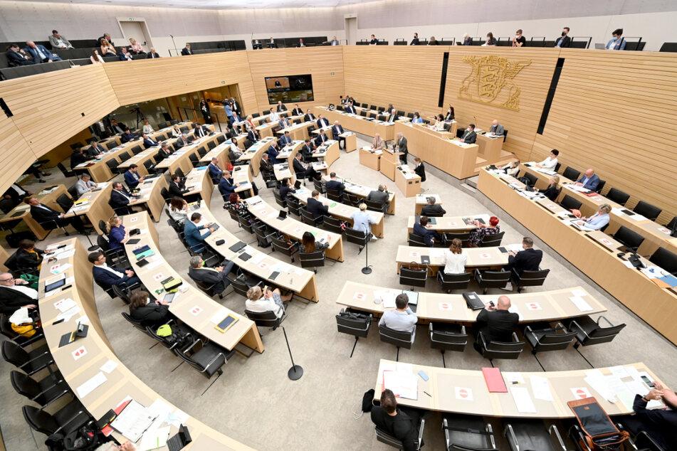 Die FDP im baden-württembergischen Landtag fordert ein Ende des Corona-Ausnahmezustands. Die Sieben-Tage-Inzidenz sei kein geeigneter Maßstab im Kampf gegen die Pandemie.