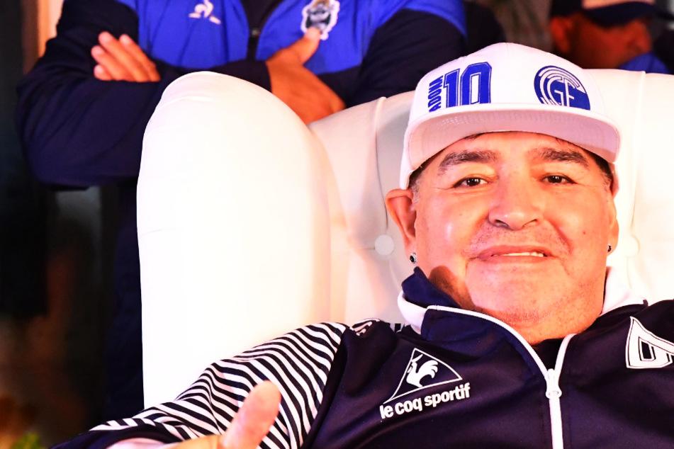 """Diego Maradona hofft auf eine zweite """"Hand Gottes"""", um Corona-Krise zu beenden!"""