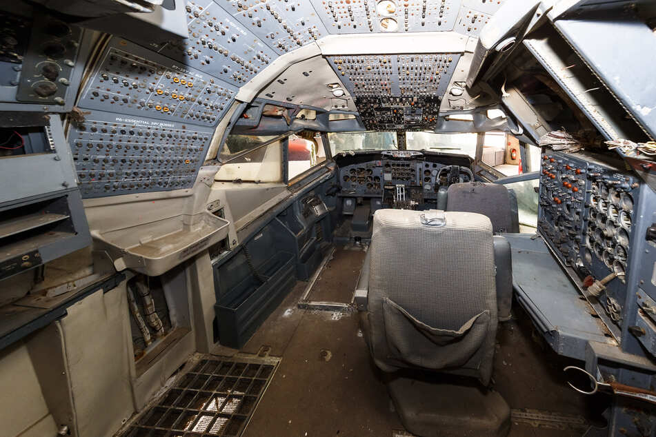 Der Innenraum eines der Cockpits der beiden Boeing 707.