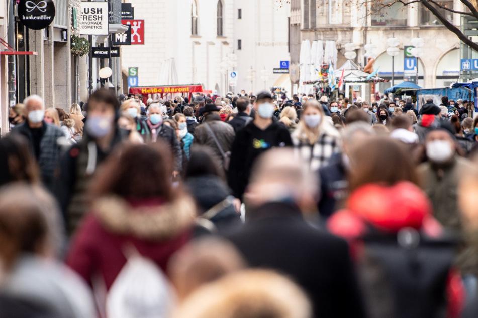 München: Kurz vor Lockdown: Ansturm auf Geschäfte in München!