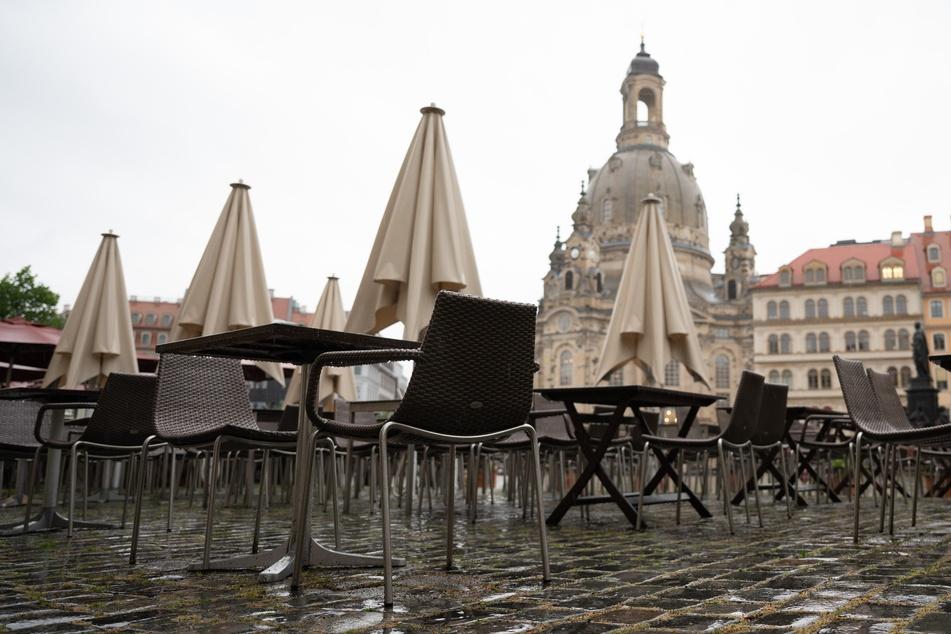 In Dresden herrscht Regenwetter. Doch die Aussicht auf Corona-Lockerungen ist nicht ganz so trüb: Ab Donnerstag gibt es zahlreiche weitere Öffnungen.