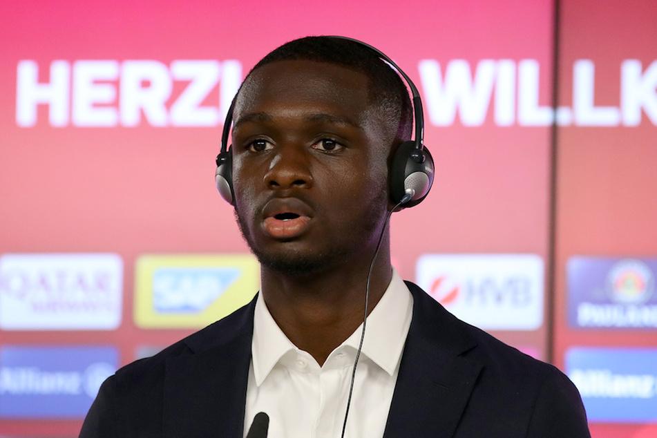 Der neu verpflichtete Spieler des FC Bayern München, Tanguy Nianzou Kouassi (18), wird verletzungsbedingt ausfallen.
