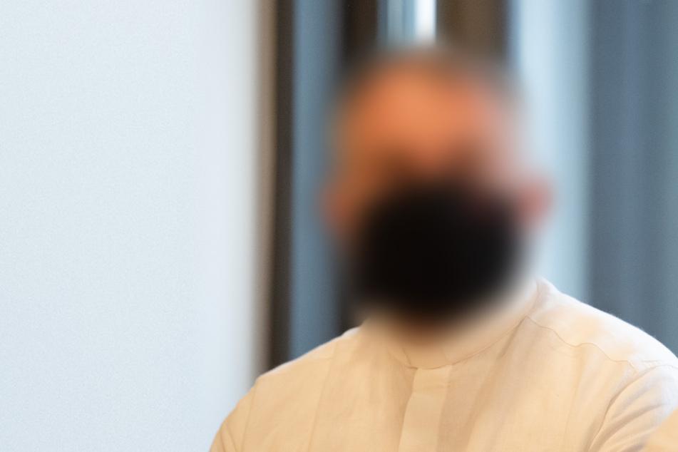 Mädchen missbraucht, dennoch steht Gemeinde zu verurteiltem Priester