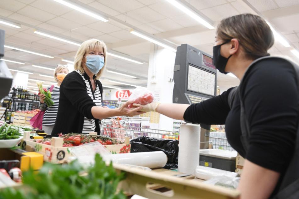 Dresden: Gewerkschafter klagen über die Maskenpflicht: Leidtragende sind die Beschäftigten im Handel