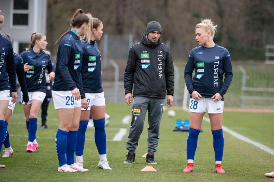 Dreierpack: Beim nächsten Heimspiel von Turbine Potsdam gibt es an einem Tag eine Impfung, freien Eintritt zum Spiel und Ex-Hertha-Kicker Sofian Chahed (38) hautnah!