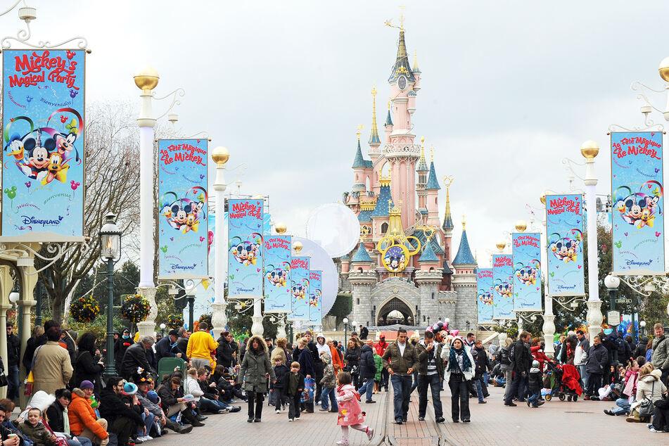 Ungewisse Zukunft für Disneyland: Strenge Einlass-Kontrollen im Gespräch