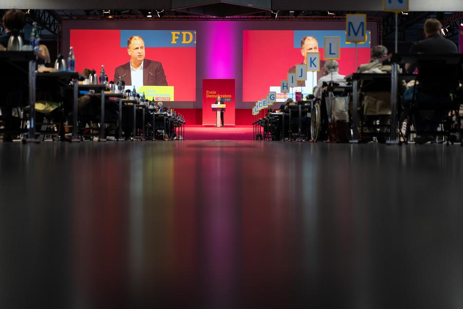 Stamp bewarb sich mit seiner gut halbstündigen Rede um die Spitzenkandidatur für die Landtagswahl in Nordrhein-Westfalen im Mai 2022.