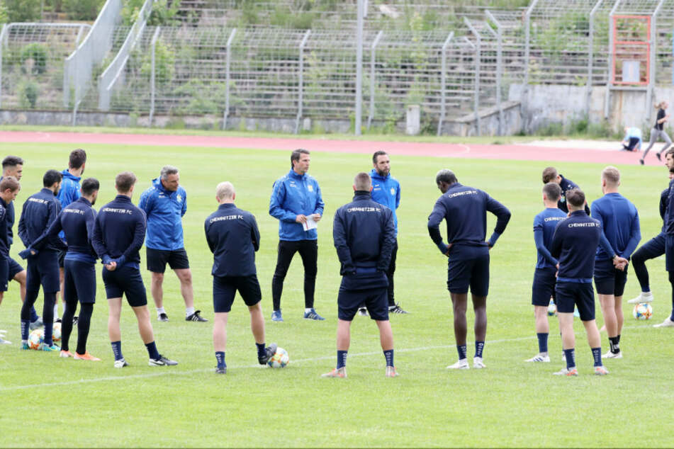Am Mittwoch konnte sich die himmelblaue Mannschaft endlich wieder zu einer Trainingseinheit treffen.