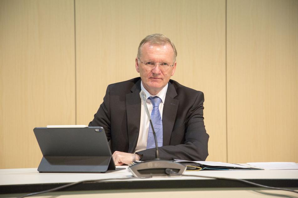 Solange der OB ausfällt, vertritt ihn der Erste Bürgermeister Detlef Sittel (53, CDU).