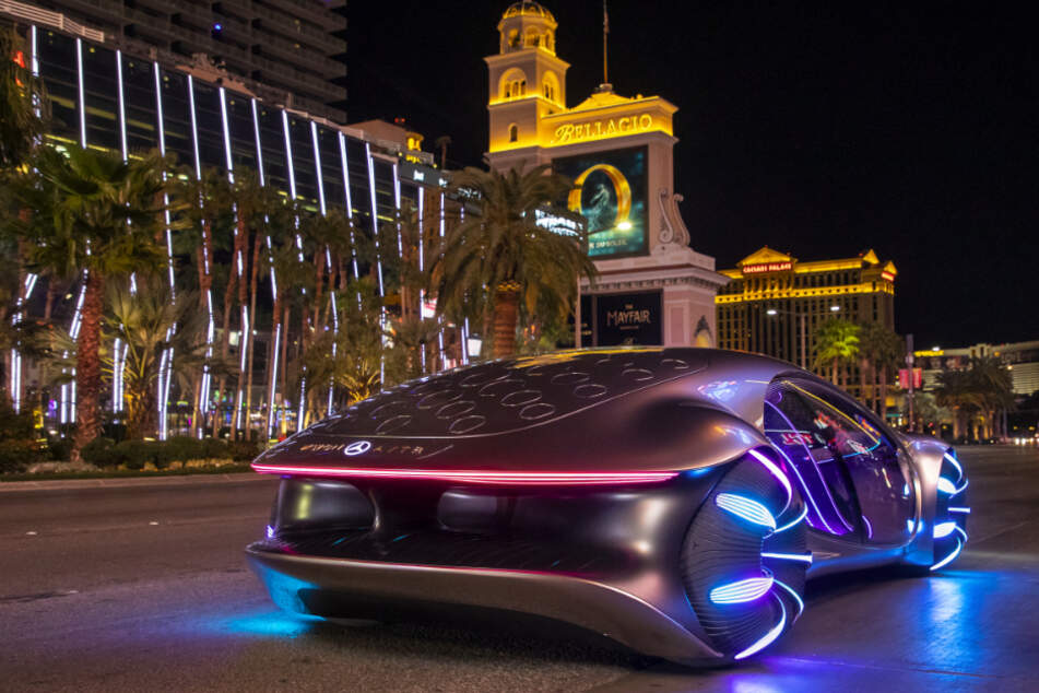 06. Januar 2020, USA, Las Vegas: Das Konzeptfahrzeug Mercedes-Benz Vision AVTR wird im Rahmen der Technik-Messe CES präsentiert.