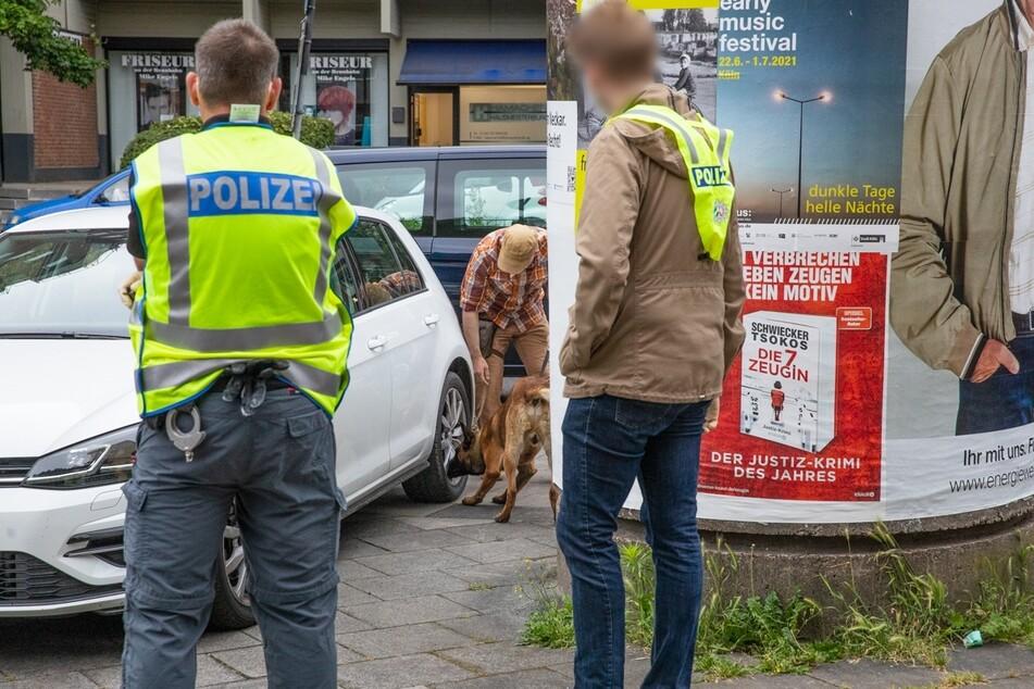 Drogenspürhunde kamen bei den Ermittlungen ebenfalls zum Einsatz.
