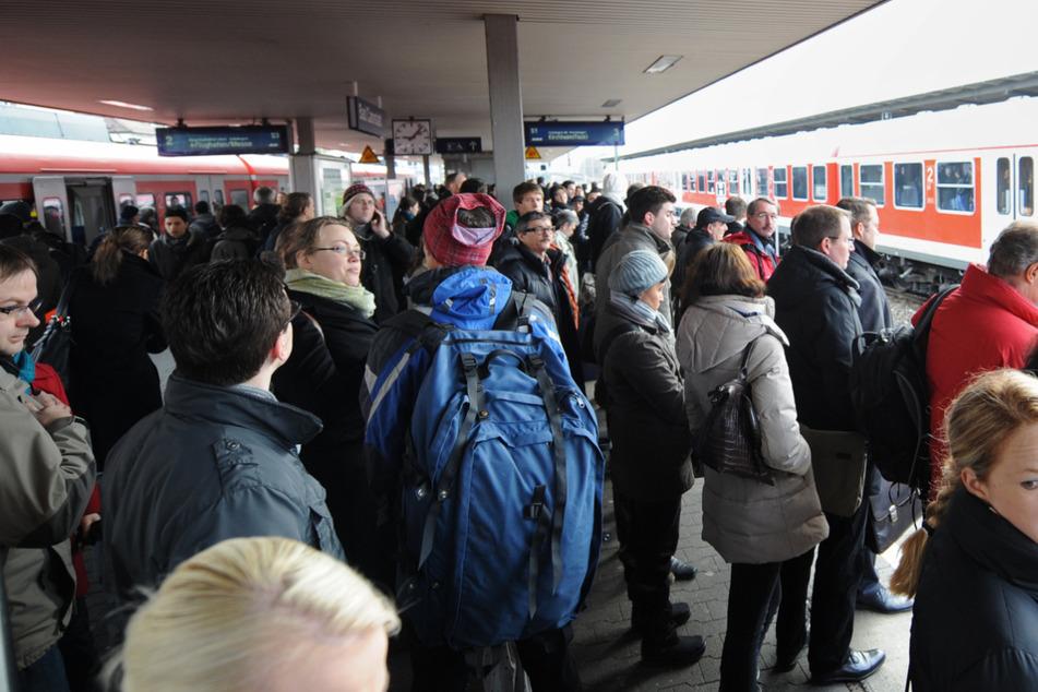 Auch der Bad Cannstatter Bahnhof wird erneuert. (Archiv)