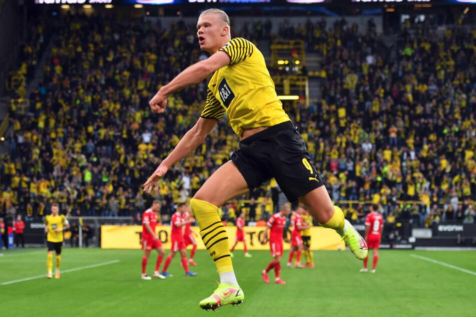 Erling Haaland bejubelt seinen Kopfballtreffer zum 2:0 gegen Union Berlin.