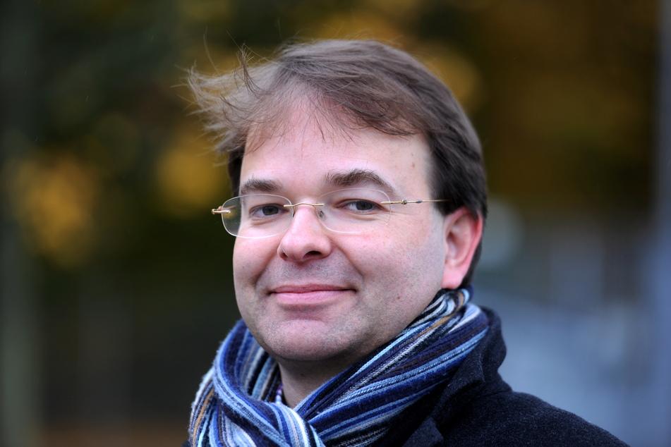 Krisenforscher Frank Roselieb warnt vor Vertrauensverlust in der Bevölkerung.